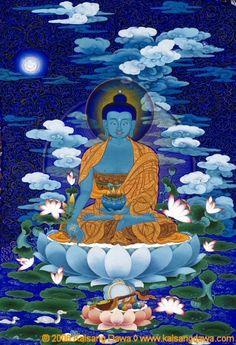 Mantra Bouddha Médecine: Puissent les innombrables malades être rapidement libérés de la maladie et puissent toutes les maladies des êtres disparaître à jamais. Je me prosterne devant Toi, Roi du lapis lazuli de bonne augure. Tu as conquis le cycle de la naissance, de la vieillesse, de la maladie et de la mort. Ainsi, Tu as atteint l'état de Bouddha, Toi le Médecin suprême, l'Eveillé parfait, l'Illuminé, le Bouddha de la Médecine, Roi de tous les médecins.