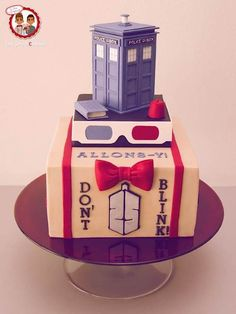 Tardis 10/11 Cake - Cake Wrecks - Home - Sunday Sweets: Cake of the Doctor