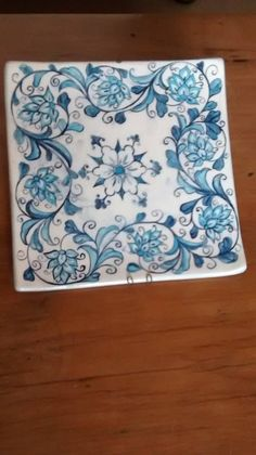 Innovations for Interior Designs with Ceramics Glazes For Pottery, Pottery Bowls, China Painting, Ceramic Painting, Ceramic Mugs, Ceramic Pottery, Colored Vases, Hand Painted Ceramics, Tile Art