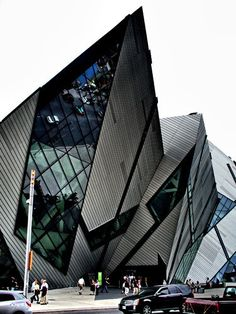 Royal Ontario Museum, #Toronto. The Crystal, extension by Daniel Libeskind, architect.