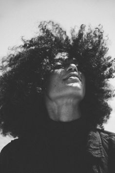 freedom in afro Lauren Johnson, Curly Hair Styles, Natural Hair Styles, Pelo Afro, Shooting Photo, Natural Hair Inspiration, Black And White Portraits, Curly Girl, Afro Hairstyles