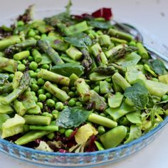 Forårssalat med grønne asparges og ristede quinoa - Mad-til-mor.dk Salad Recipes, Snack Recipes, Healthy Recipes, Healthy Life, Healthy Eating, Edamame, Asparagus, Good Food, Food And Drink