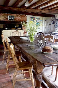 Vintage farmhouse dinningroom table ideas (17)