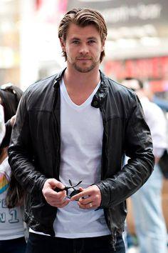 Chris Hemsworth, the mighty Thor..... ❤