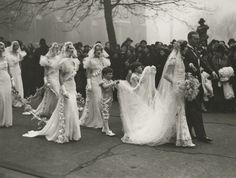 1933 bride Nancy Beaton married Sir Hugh Smiley in an opulent affair at St. Margaret's Westminster, London.