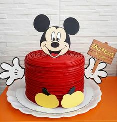 Mickey Mouse Party Decorations, Mickey 1st Birthdays, Mickey Mouse Birthday Cake, Fiesta Mickey Mouse, Mickey Mouse Clubhouse Birthday Party, Mickey Cakes, Minnie Mouse Cake, Mickey Mouse Parties, Mickey Party