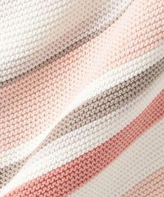 【洗える】ガーターボーダー ニット / J.PRESS LADIES 【公式通販】オンワード・クローゼット Knitting Yarn, Knitting Patterns, Women's Socks, Stitches, Knitwear, Pullover, Sweaters, T Shirts, Comic