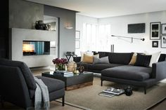 Show what do you think concerning this living room layout! Absolutely spectacular living room idea, don't you think? Take a look at the board and let you inspiring! See more clicking on the image. Living Room Colors, Living Room Modern, Living Room Sofa, Home Living Room, Living Room Decor, New Interior Design, Interior Decorating, Modul Sofa, Dark Interiors