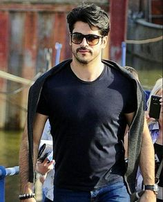 Turkish Men, Turkish Fashion, Turkish Actors, Stylish Dpz, Stylish Boys, Mens Casual Dress Outfits, Foreign Celebrities, Gents Hair Style, Male Models Poses