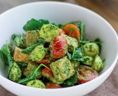 Meet your new favorite protein-packed lunch: Caprese pesto kale salad with crispy tofu recipe.