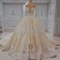 Sparkle with everlasting beauty. Leave the floor with traces of beauty and glitter. Gorgeous Prom Dresses, Dream Wedding Dresses, Bridal Dresses, Jacy Kay, Types Of Gowns, Quinceanera Dresses, Dress Ideas, Brittany, Ball Gowns