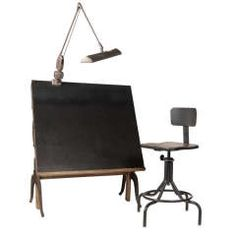 Vintage Drafting Table and Chairs, For the big boy or the little one's room. Just amazing.