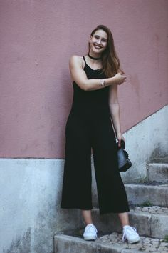 In the streets of #Lisbon we took some outfit photos. More on: www.echo-of-magic.de #fashionblogger #blogger #blogger_de #whatiwore #lisbonlovers #howissummer #jumpsuit #allblackeverything #adidassuperstar #adidassuperstarrize