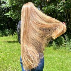 Hair Flip, Cut My Hair, Hair Heaven, Golden Blonde, Beautiful Long Hair, Shiny Hair, Grow Hair, Down Hairstyles, Goblin