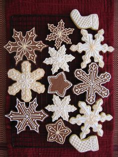 CHRISTMAS COOKIES WITH WINTER SHAPES.