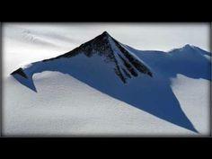 ▶ ANCIENT PYRAMIDS IN ANTARTIC? JULY 25 2013 (EXPLAINED) - YouTube Bestaan er piramides in antartica? Of is dat een verzinsel? - mooi voorbeeld  om te zien hoe je op onderzoek kan gaan naar de waarheid op het internet.