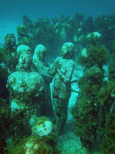 """""""Museo Subaquatica"""" – Underwater museum in Cancun"""