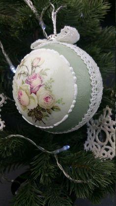 Shabby Chic Christmas Ornaments, Christmas Tree Toy, Christmas Balls, Christmas Decorations, Xmas, Holiday Decor, Vintage Shabby Chic, Stamping, Decoupage