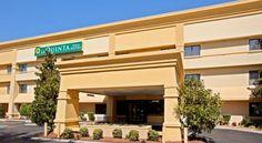La Quinta Inn & Suites Nashville Airport - 2 Star #Hotel - $75 - #Hotels #UnitedStatesofAmerica #Nashville http://www.justigo.ws/hotels/united-states-of-america/nashville/nashville-airport-donelson_116661.html