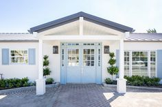 Copa De Oro features on Home Bunch Door Paint Colors, Exterior Paint Colors, Painting Trim, House Painting, Exterior Paint Sherwin Williams, Ranch Homes For Sale, Accent Wall Colors, California Ranch, Colored Ceiling