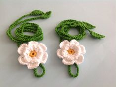 Cotton yarn crochet baby and toddler barefoot sandals with flower. handmade by nesel with love for your baby. Crochet Barefoot Sandals, Crochet Baby Sandals, Crochet Baby Boots, Newborn Crochet, Crochet With Cotton Yarn, Crochet Yarn, Footless Sandals, Crochet For Kids, Crochet Ideas
