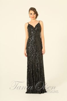 Feel amazingly sexy and elegant in the Mila evening dress black by Tania Olsen... Shine bright all night long!