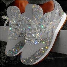 Looking for a pair of shoes for your wedding or event? Do you love glitter and shiny things? Then these hand glittered silver sneakers are for you. Leave a little sparkle whenever you go with these gorgeous sneakers. Sparkly Shoes, Bling Shoes, Glitter Shoes, Sparkles Glitter, Bling Bling, Bedazzled Shoes, Glitter Clothes, Bling Converse, Designer Shoes