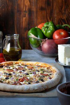 pizza recipe (with yogurt and olive oil dough) - What to Cook! -Greek pizza recipe (with yogurt and olive oil dough) - What to Cook! Yogurt Recipes, Pizza Recipes, Crockpot Recipes, Vegetarian Recipes, Healthy Recipes, Bread Recipes, Mediterranean Pizza, Mediterranean Recipes, Whole Wheat Pizza Crust Recipe