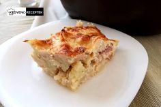 Ha meleg a sajttal és baconnel készített rakott karfiol, akkor elég nehéz belőle egyenletes szeletet vágni.  Nekem így sikerült, ahogy a képen látod! A részletes receptért és több fotóért látogass el az oldalra! Lasagna, Bacon, Ethnic Recipes, Food, Lasagne, Hoods, Meals