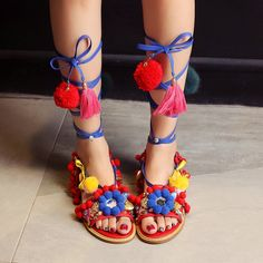 74.59$  Watch here - http://alilvu.worldwells.pw/go.php?t=32669195876 - Handmade Rome gladiator Sandals Lady Flats Fringed Lace Up Genuine Leather Sandals Shoes Fur Cross Strap Poms Woman Sandal Shoes 74.59$