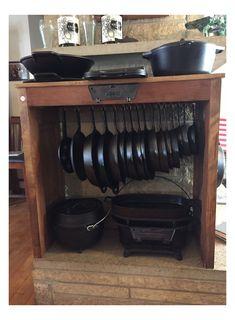 Country Kitchen, Diy Kitchen, Kitchen Decor, Kitchen Ideas, Iron Storage, Cabin Kitchens, Rustic Kitchens, Rustic Kitchen Design, Cast Iron Cooking