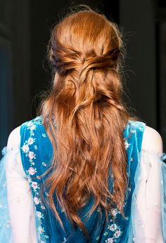 """agameofclothes: """" What Catelyn Tully would have worn at Riverrun, Luisa Beccaria """" Bad Hair Day, Catelyn Stark, Yennefer Of Vengerberg, Runway Hair, Luisa Beccaria, Easy Hairstyles, Redheads, Red Hair, Hair Inspiration"""