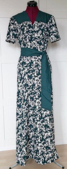 Wickelkleider - 40er Jahre Blumen Wickelkleid - ein Designerstück von…