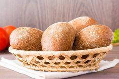 Kliknij i przeczytaj ten artykuł! Fresco, Cornbread, Breakfast, Ethnic Recipes, Food, Tomato Salad, Buns, Salads, Rye