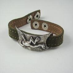 Cute frog bracelet.