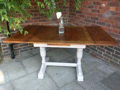 Farmhouse extendable table