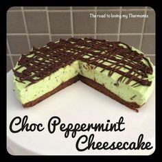 The road to loving my Thermomix: Choc Peppermint Cheesecake Cooking Chocolate, Chocolate Recipes, Cheesecake Recipes, Dessert Recipes, Baking Recipes, Peppermint Cheesecake, Chocolate Cheesecake, After Dinner Mints, Bellini Recipe