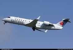Photo of C-GXJA Bombardier CRJ-200ER by Denis Florian Saint-Onge