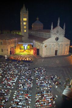 """""""Lirica in Piazza"""", the magic atmosphere of Massa Marittima dome for wonderful melodrama nights, every August, #maremma, #Tuscany, #Italy"""