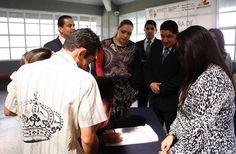Mediante la Campaña de Certificación y Regularización, la Dirección del Registro Civil, a cargo de la Secretaría de Gobierno de Michoacán, lleva dicho programa a distintos sectores de la población ...