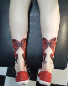 http://tattoomagz.com/wp-content/uploads/2013/10/rockabilly-tattoo-red-ribbons.jpg