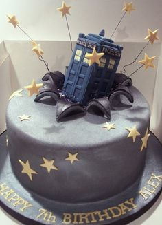 Dr. Who birthday cake. If I could bake I would make this for me :)