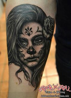 Wish I could pull off a tattoo like this! So beautiful