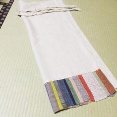 うれしくてうれしくて宿で早速広げてみる。 一緒に歳を重ねていきたいようなとてもステキなサロン。 ミナペルホネン目当てだったんですが、齋藤田鶴子さんの手織りに惹かれて。 ミナのちょうちょはオーダーになりました^ ^届くのが楽しみ 大事にします^ ^ #百草サロン #齋藤田鶴子