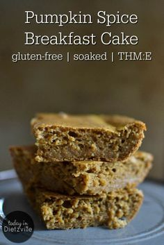 It's pumpkin cake. For breakfast. Does it really need any more introduction? Totally gluten-free, soaked for maximum digestion, and full of protein, you'll be eating this pumpkin breakfast cake on many a fall morning! Thm Recipes, Pumpkin Recipes, Gourmet Recipes, Real Food Recipes, Snack Recipes, Stevia Recipes, Trim Healthy Recipes, Snacks Ideas, Apple Recipes