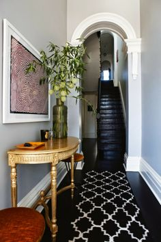 black flooring Contemporary Home Decor Ideas ~ Before amp; After: a Victorian terrace becomes a beautiful contemporary home - Vogue Living Design Entrée, Tapis Design, Deco Design, Design Ideas, Light Design, Design Projects, Victorian Terrace House, Victorian Hallway, Townhouse Designs