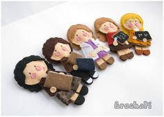 I would never make these felt people in a million years, but I these are adorable.