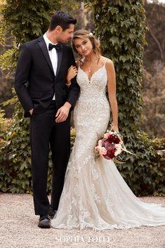 Wedding Dresses With Straps, Wedding Dress Train, Fit And Flare Wedding Dress, Cute Wedding Dress, Dream Wedding Dresses, Bridal Dresses, Fitted Lace Wedding Dress, Flattering Wedding Dress, Mermaid Dresses
