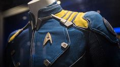 Star Trek Beyond Rihanna chante la chanson thème SledgeHammer et Star Trek 2009, Star Trek Kostüm, Film Star Trek, Star Trek Movies, Star Trek Cosplay, Star Trek Beyond, Star Trek Enterprise, Stephen Hawking, Star Trek Halloween Costume