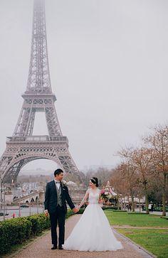 お二人の衣装のコントラストが パリのノス